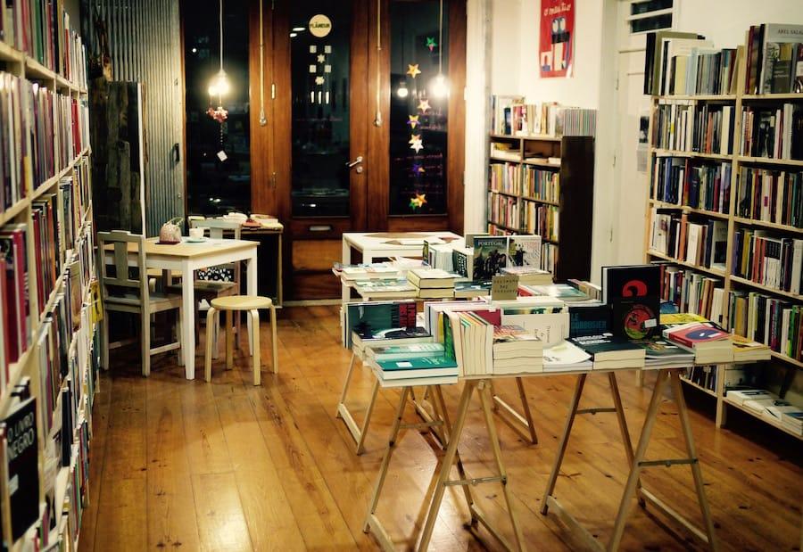 Resultado de imagem para livraria flaneur