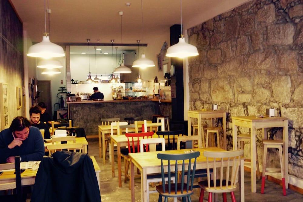 mesa 325 work cafes porto