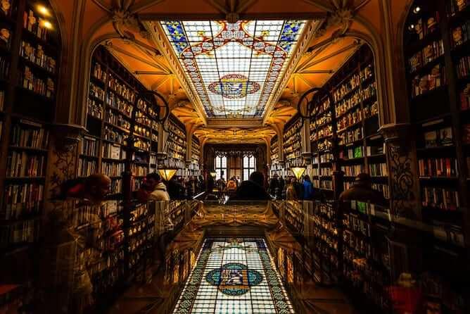 interior lello bookstore porto