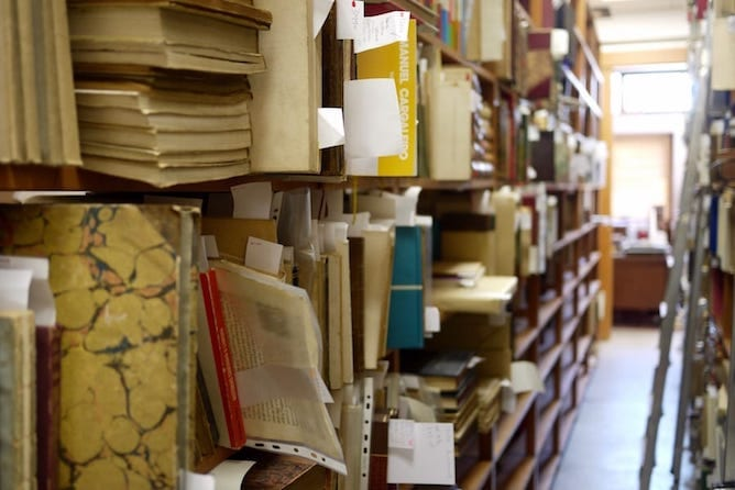 second hand bookstore porto manuel ferreira