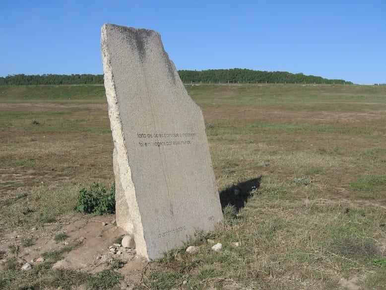alvaro siza arquitecto monumento homenagem poeta antonio nobre