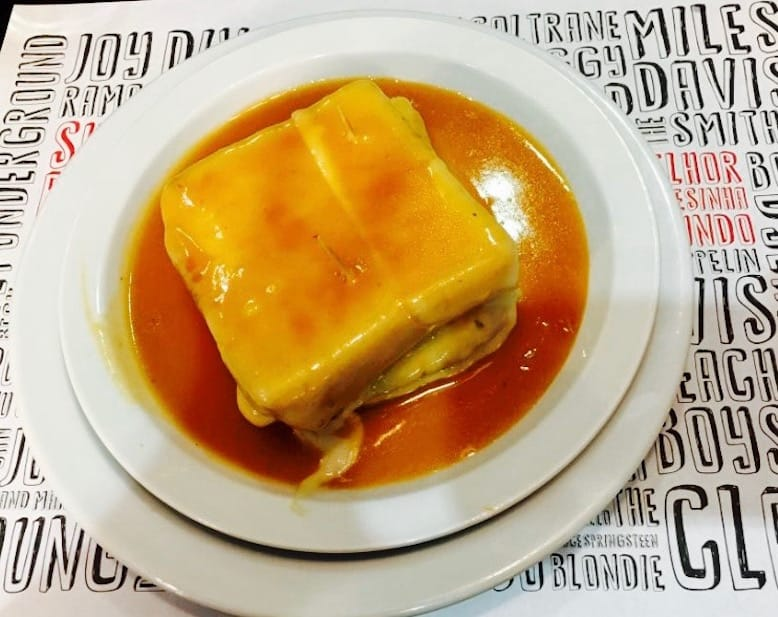 francesinhas downtown porto food portuguese gastronomy lado b restaurant
