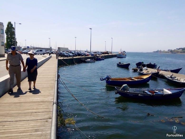 afurada vila pescadores rio barcos