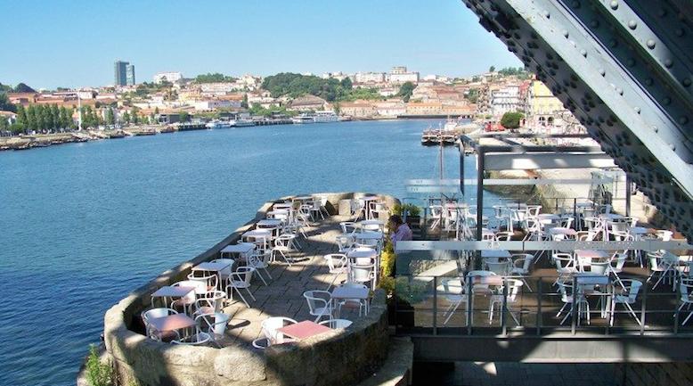 Foto retirada do website do Bar Ponte Pênsil.