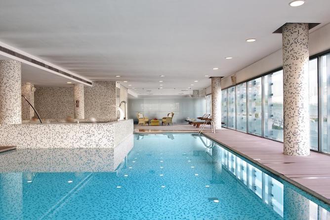 hoteis aveiro melia piscina interior