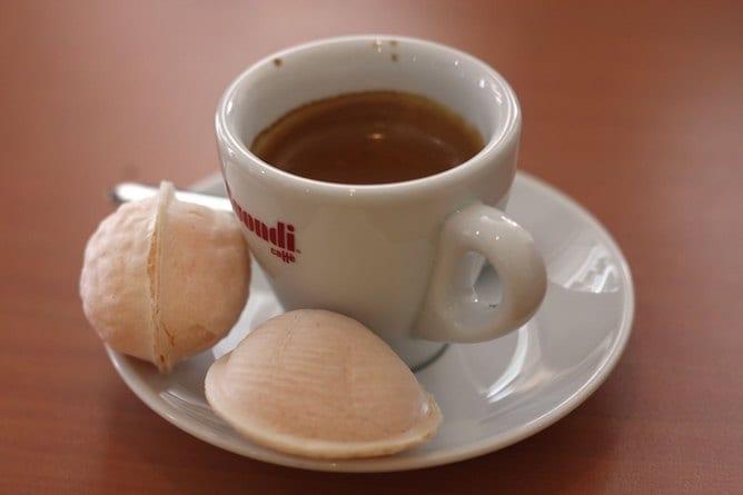 ovos moles sweet pastry aveiro