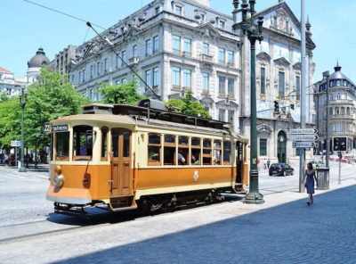 how travel tram in porto