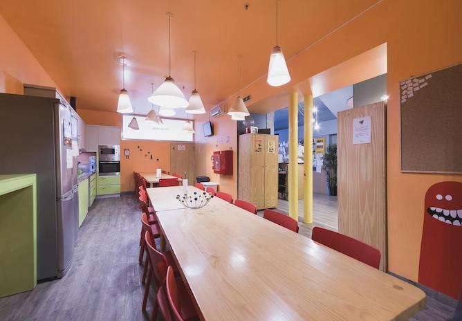 cats hostel shared kitchen