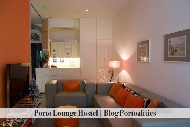 porto lounge hostel living room