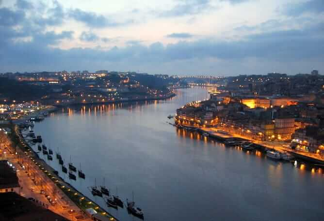 romantic things to do in porto watch sunset serra pilar