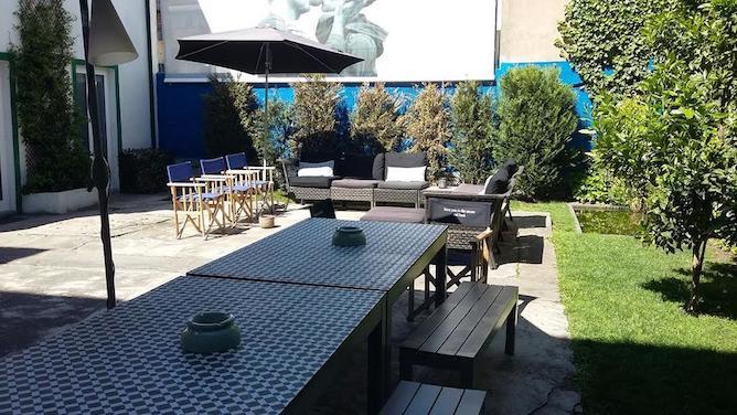 terrace garden house hostel porto