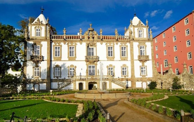 8 boutique hotels in porto that no guide will tell you for Most romantic boutique hotels