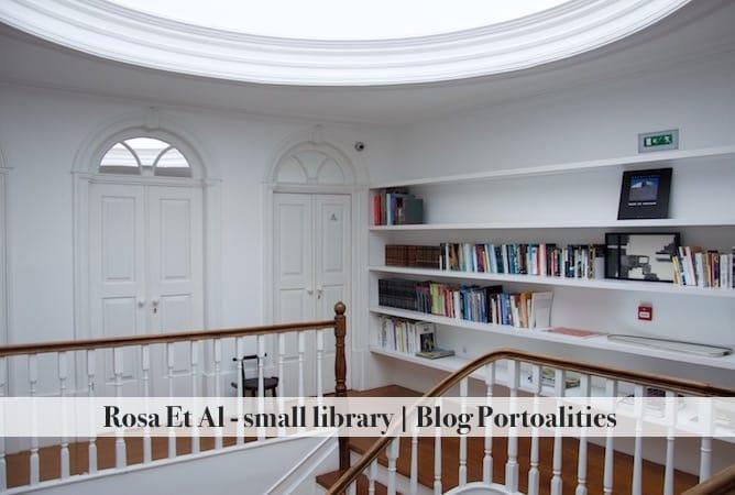 hoteis boutique porto rosa et al townhouse pequena biblioteca
