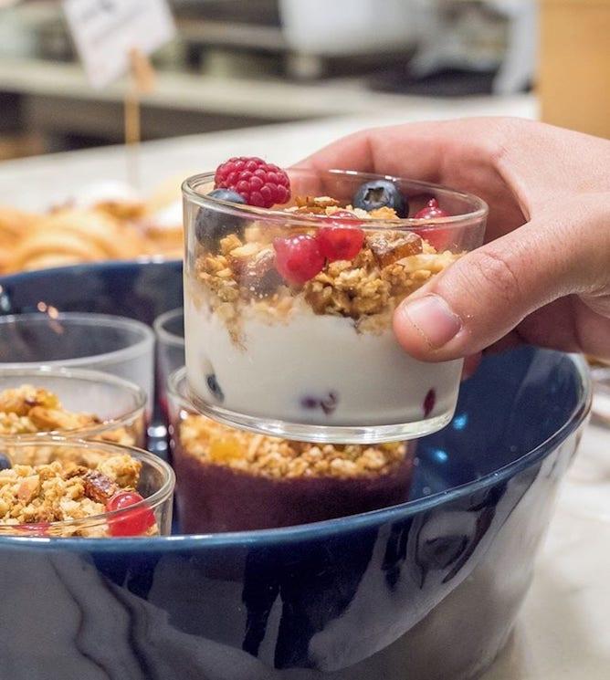 vegan breakfast buffet daterra porto