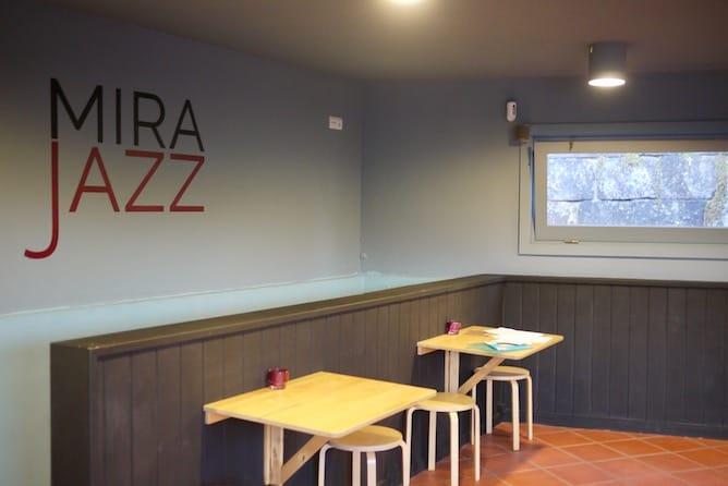 mirajazz wine bar porto indoors space