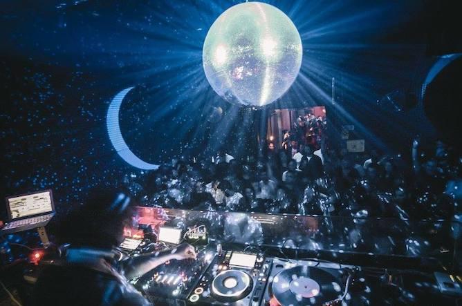 best restaurants bars dance clubs porto