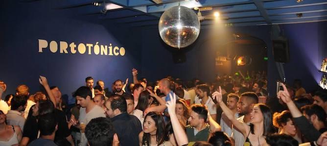 people dancing porto tonico