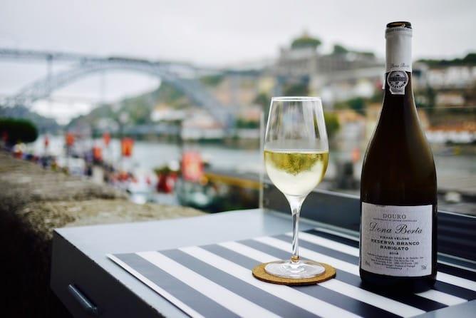 vista ribeira wine quay bar porto