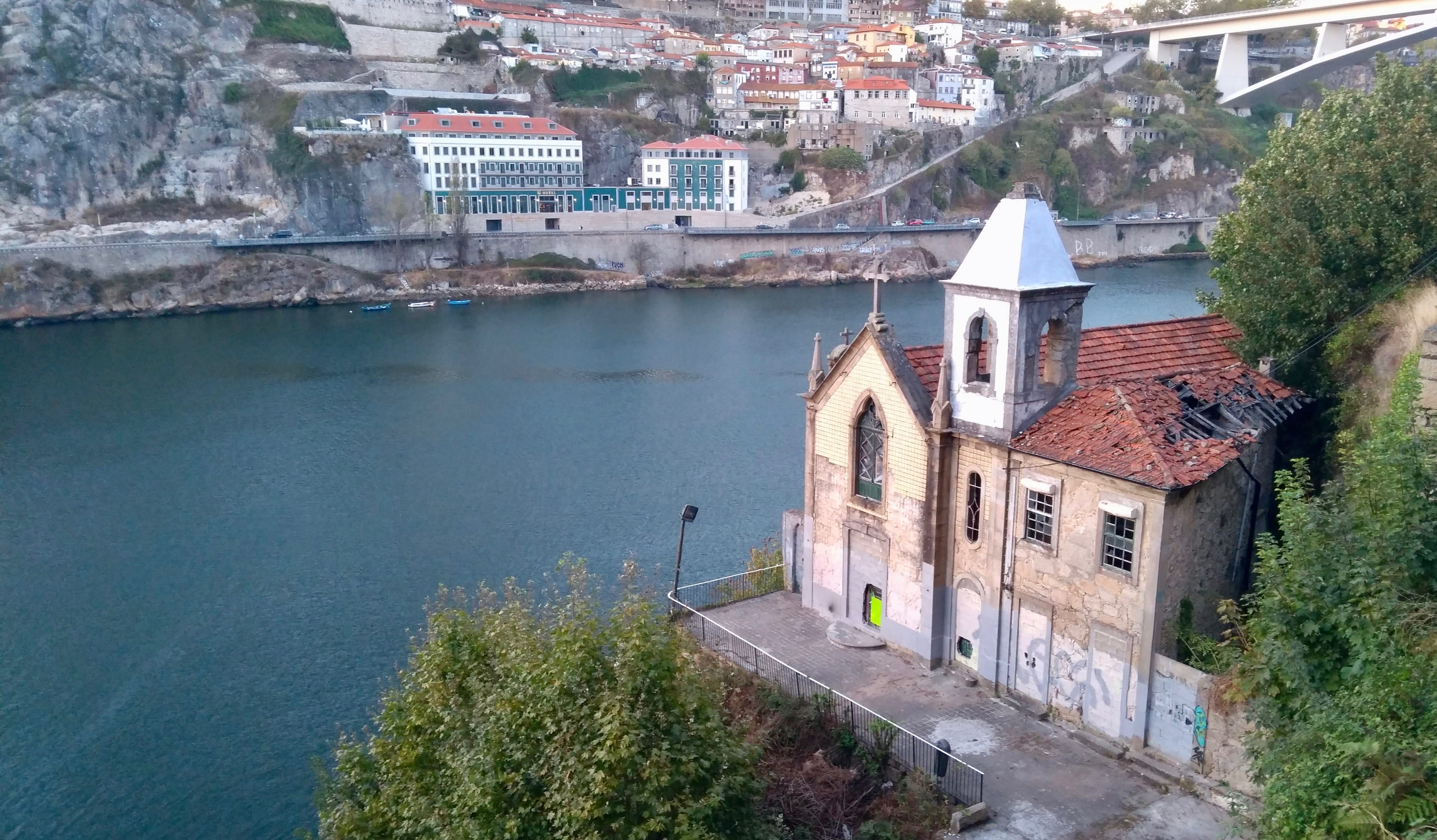abandoned chapel porto