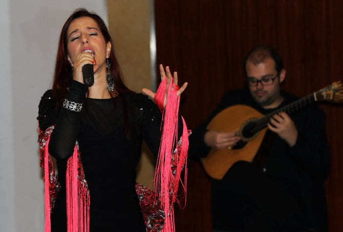 fado cantora guitarra portuguesa