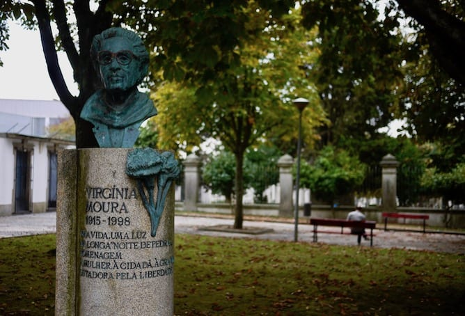 statues heroes porto portuguese dictatorship