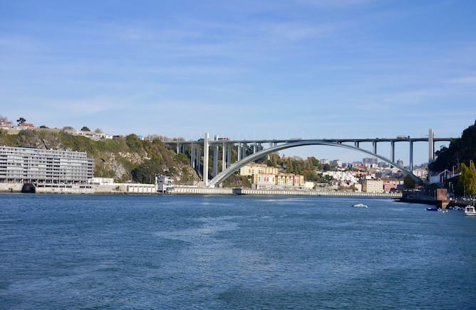 Brace yourselves: it's time to discover the Porto bridges