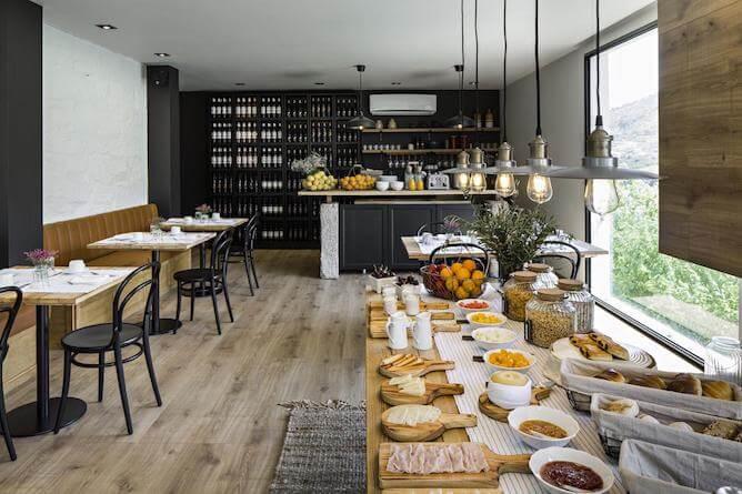 breakfast room quinta sao bernardo douro valley