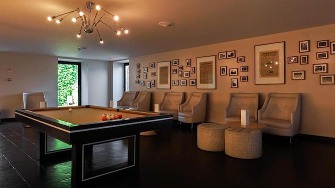 douro palace hotel resort spa snooker room