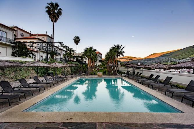 hotel douro vintage house pinhao sunset swimming pool