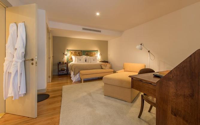 quinta vallado hotel douro double bedroom