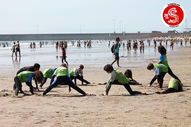 aula surf atividade porto adolescentes