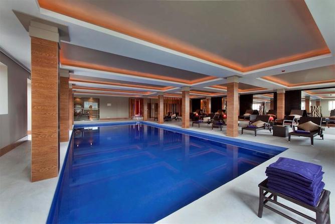 palacio freixo melhor hotel luxo porto piscina interior