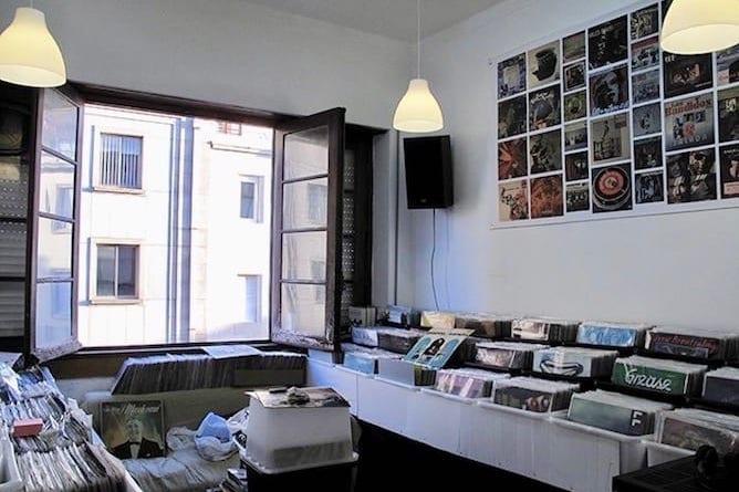 vinyl disc record store porto