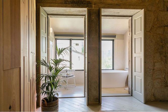 apartamento com banheiro vista cidade porto