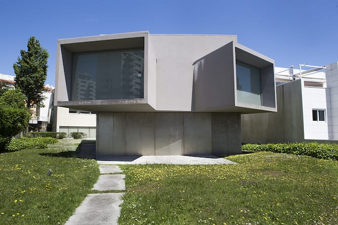 casa manoel oliveira porto desenhada souto moura