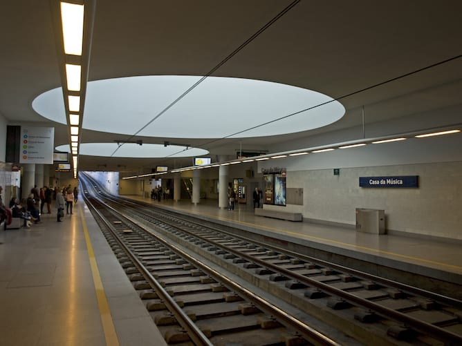 casa musica subway station porto
