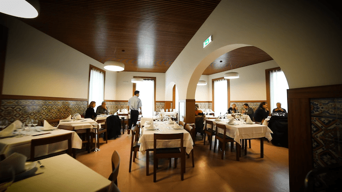 main room gaveto best seafood restaurant porto
