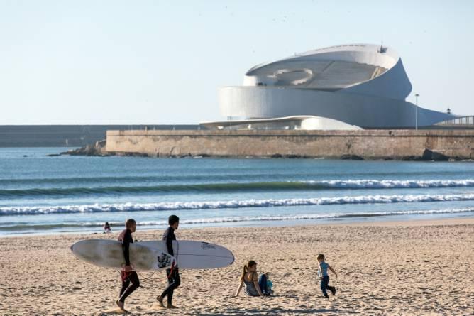 best beaches surfing porto