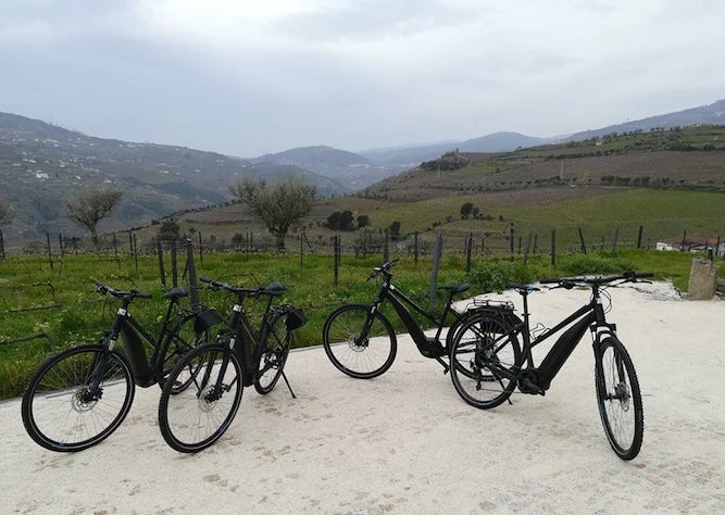 go on bike cycling outdoor activity douro valley