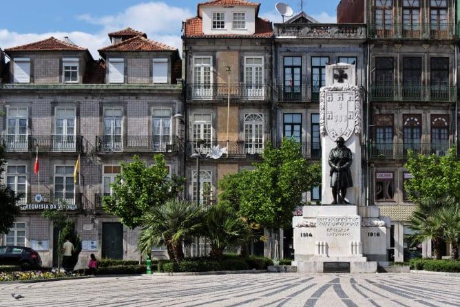 histoic carlos alberto square