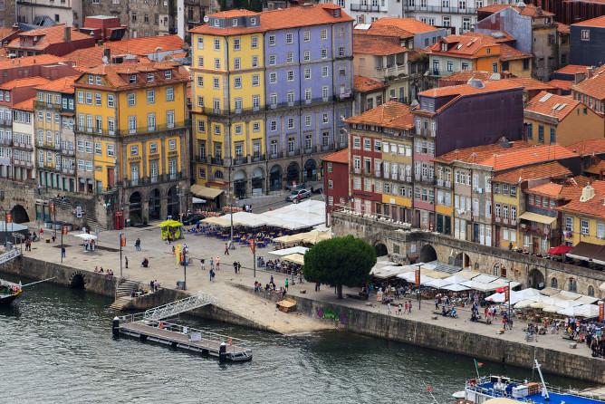 ribeira sqaure river douro