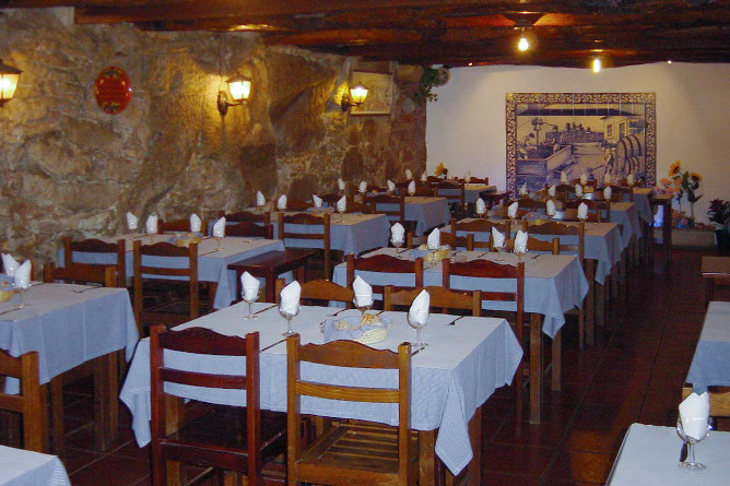 top traditional restaurants porto adega do carregal