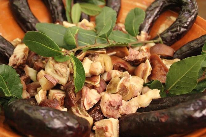 traditional portuguese blood sausages buraquinh porto