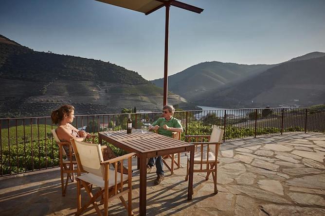 wine tasting quinta bomfim douro valley