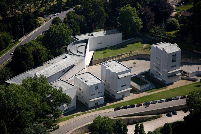 beautiful buildings porto faculty architecture siza vieira