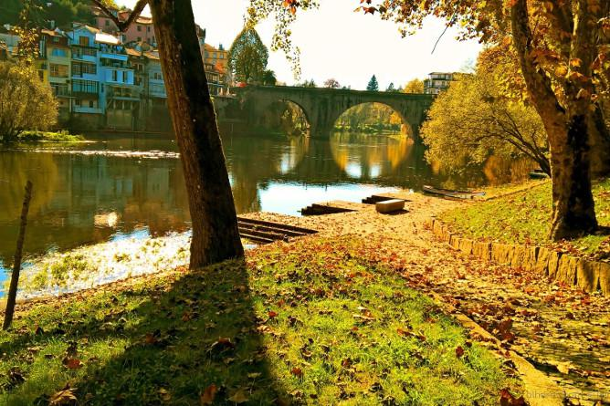 best cities near porto autumn
