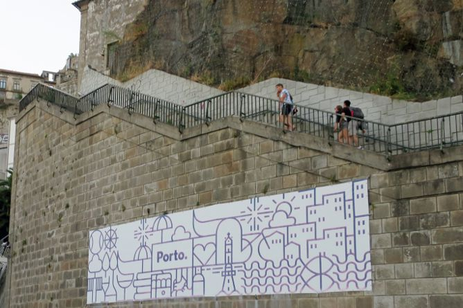 climb codecal stairs porto