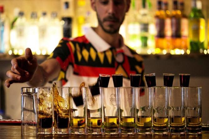 melhor pub crawl bares porto