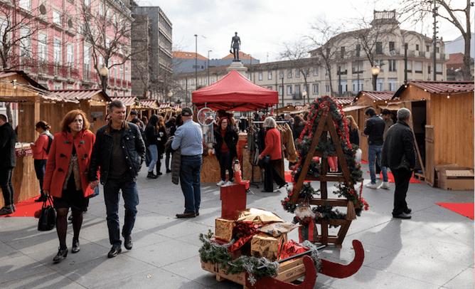 christmas market porto batalha square