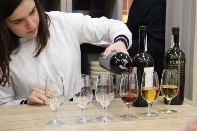 bolhao temporary market wine tasting